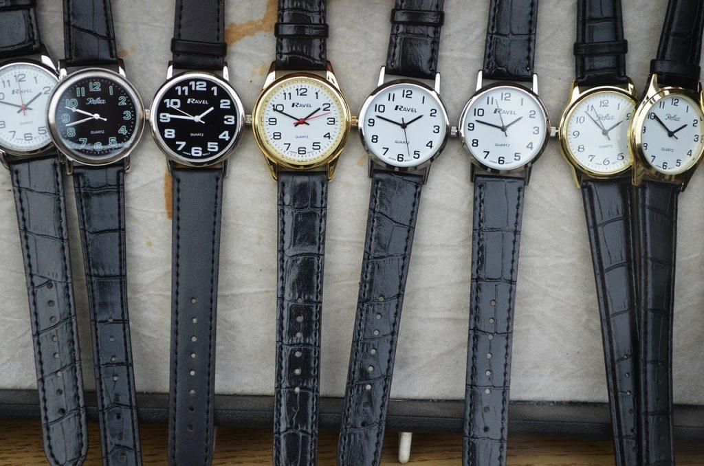 腕時計 寄付