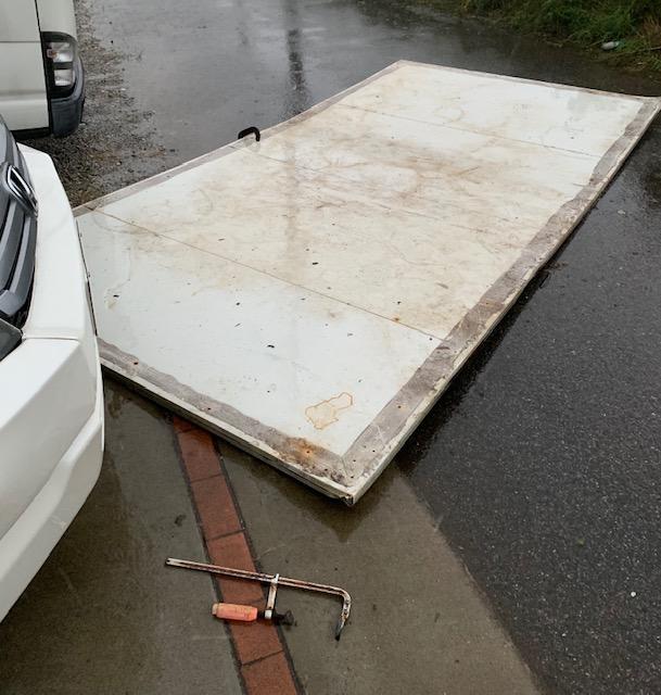 台風15号 被害 車