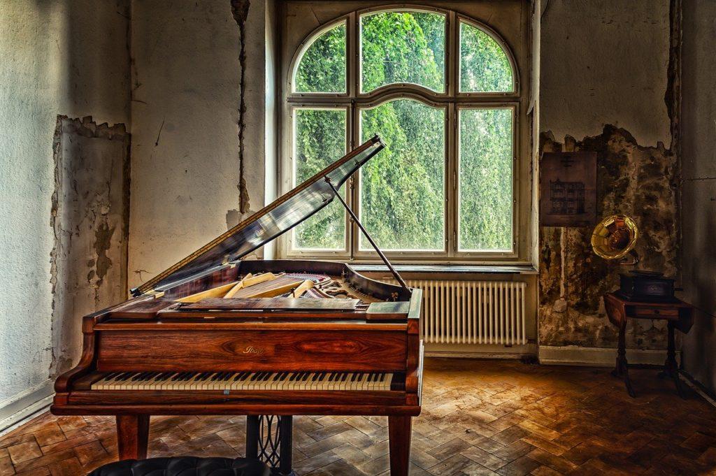 古いピアノ買取,古いピアノ 処分